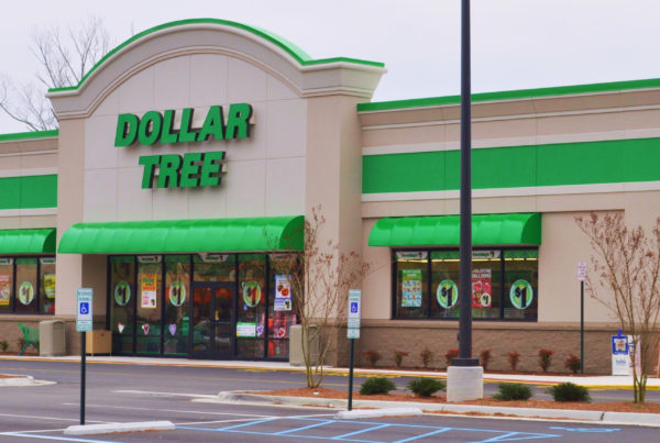 Dollar Tree to close up to 390 Family Dollar stores, reports $2.3 billion loss