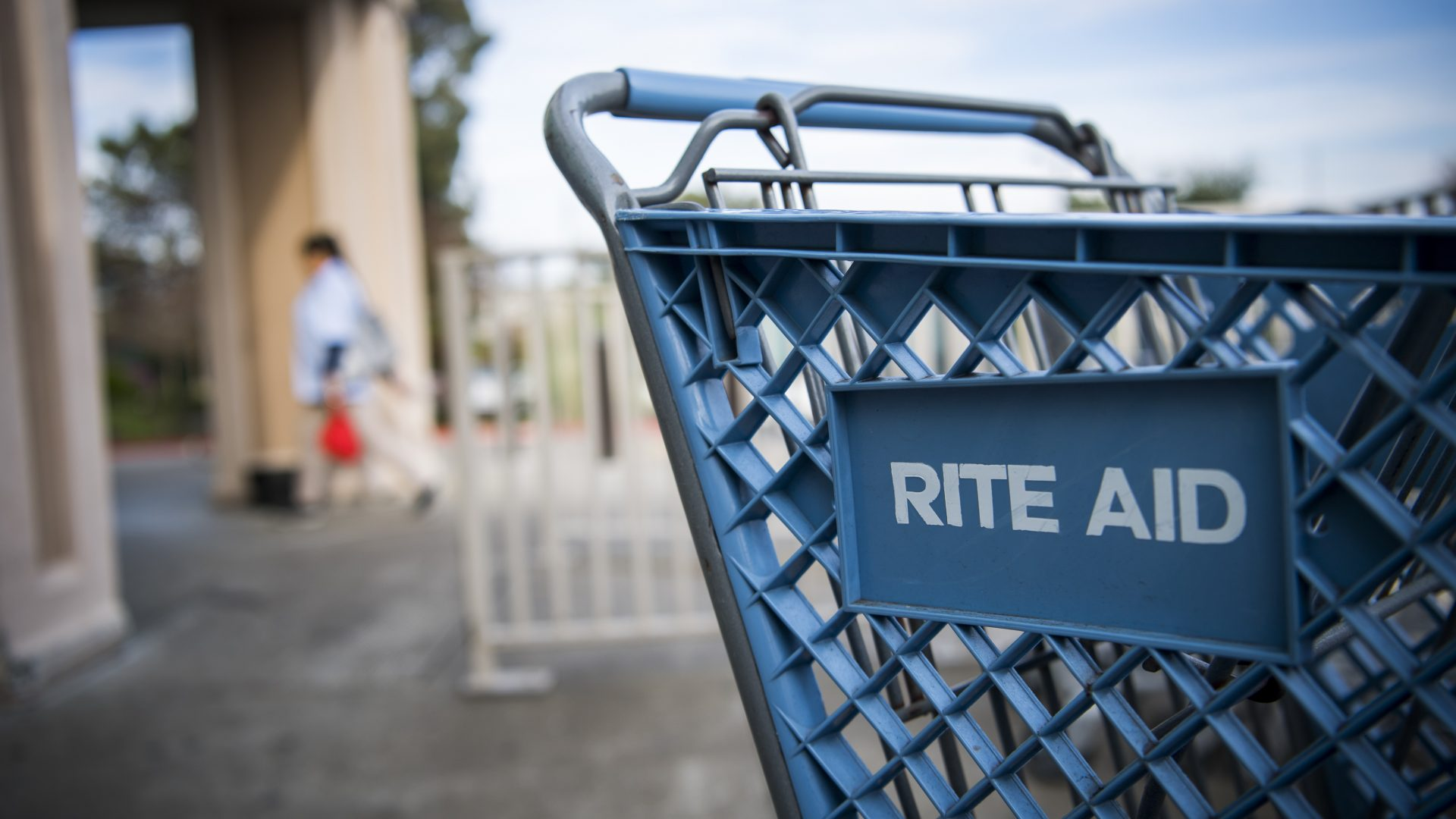Signage is displayed on a shopping cart outside a Rite Aid Corp. store in Hercules, California, U.S., on Tuesday, Jan. 2, 2018. Rite Aid Corp. is expected to release earnings figures on Jan 3. Photographer: David Paul Morris/Bloomberg via Getty Images